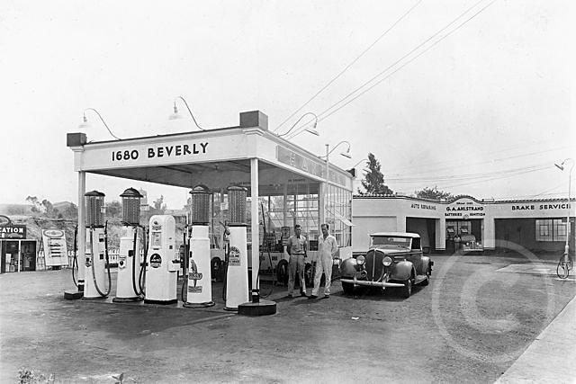 GasStationGarage1938-2.jpg