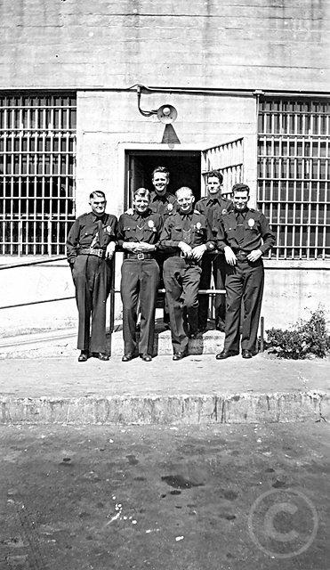LAPD1940group.jpg