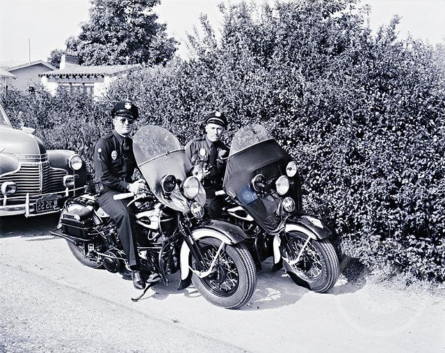 MotorcycleCopsLAPD40s.jpg